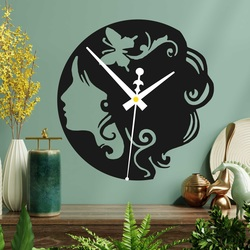 Drewniany zegar - dama z motylem we włosach, zarówno czarna jak i kolorowa  | SENTOP PR0399