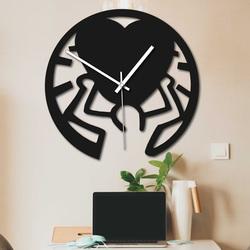 Drewniany zegar - miłość na ramionach czarny i kolorowy   SENTOP PR0420