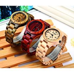 Drewniany zegarek żebrowane brązowy orzech. Bewell