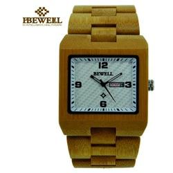 Drewniany zegarek na ręce jasny, prawie przezroczysty. ZEGAREK DREWNIANY Z KLINU