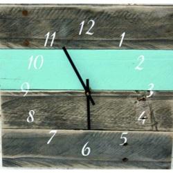 Drevené hodiny na stenu modrá je dobrá .