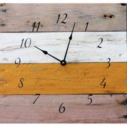 Drevené hodiny moderné rustikálne bozk .