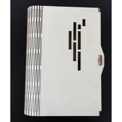 Pudełko jako dekoracja z drewna, wymiary: 17,5x12x3 cm