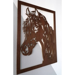 Rzeźbiony obraz na ścianie drewnianego konia ze sklejki