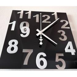 Nowoczesny zegar ścienny - Kolorowe numery, kolor: czarny, biały