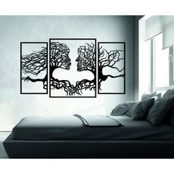 Napompowane zdjęcie na ścianie twarze i drzewa